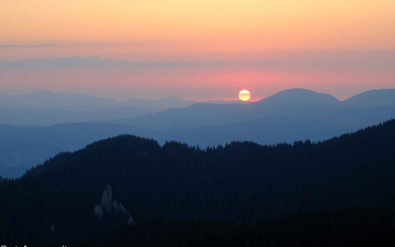 Sunrise in Ciucas